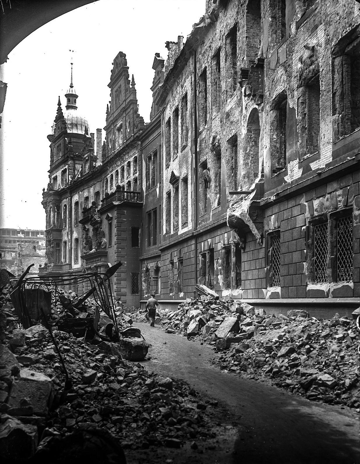Kriegszerstörung Schloßstraße