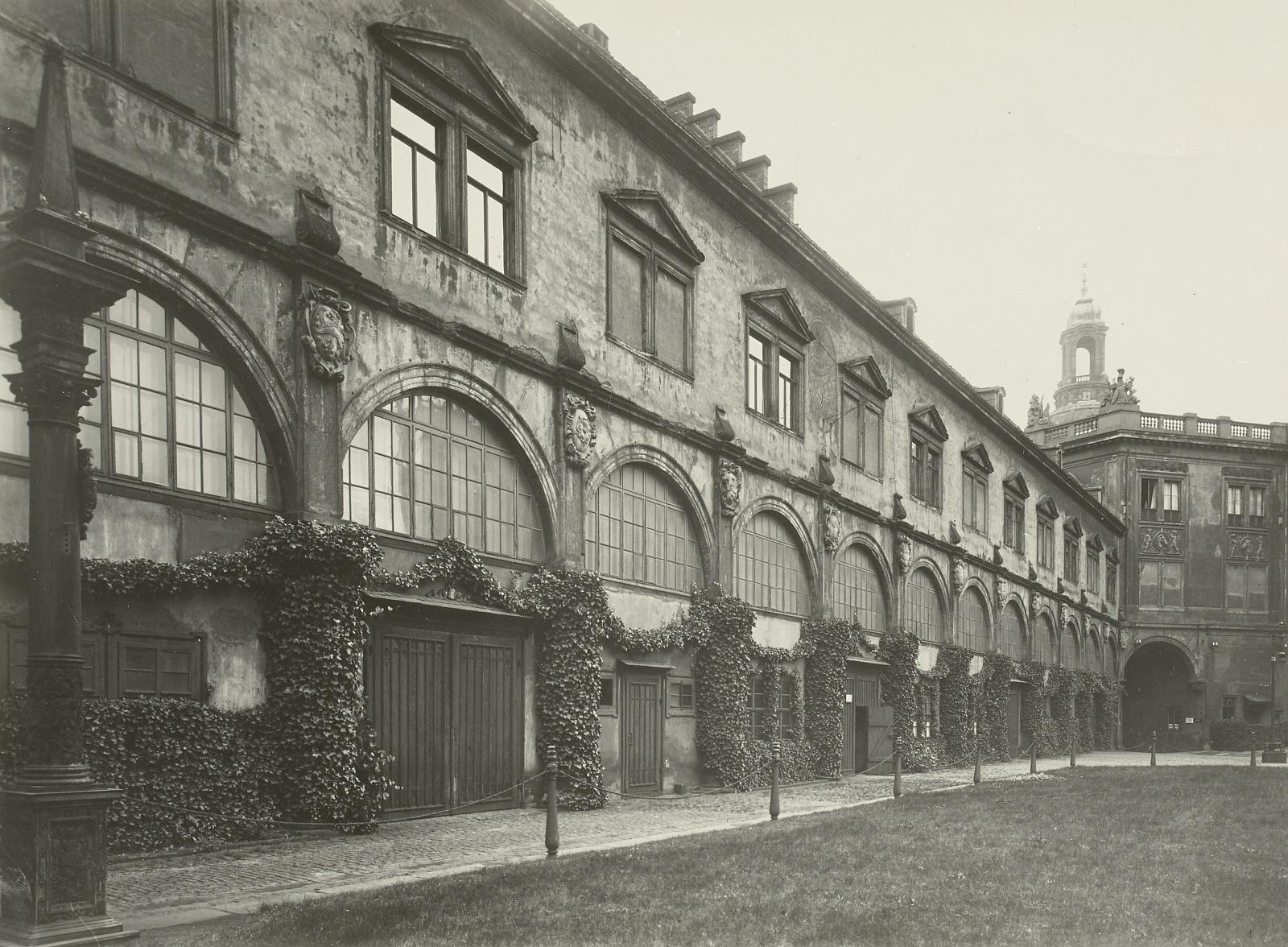 Stallhof vor dem Umbau 1933/34