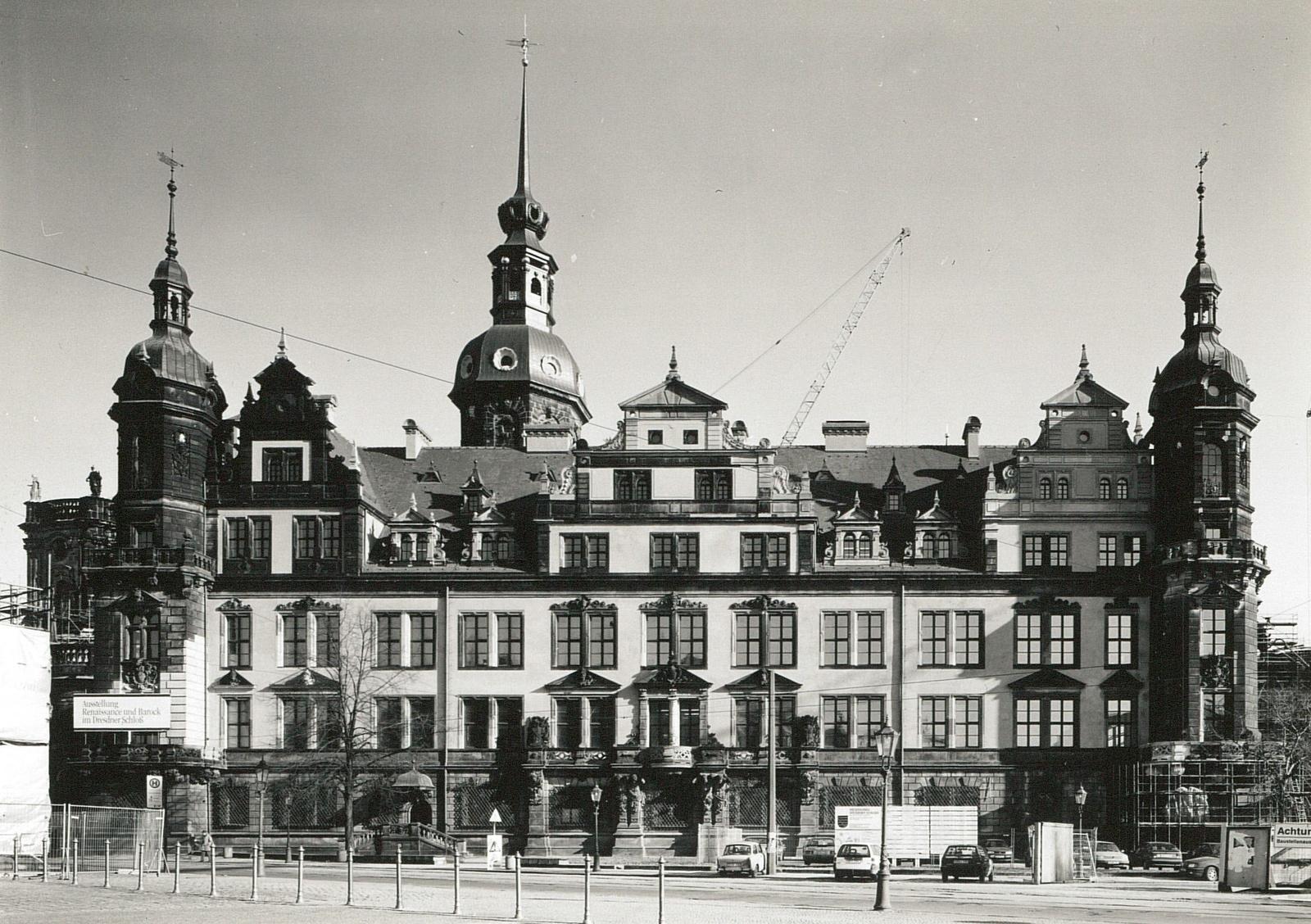 Der Westflügel nach dem Wiederaufbau, 1994